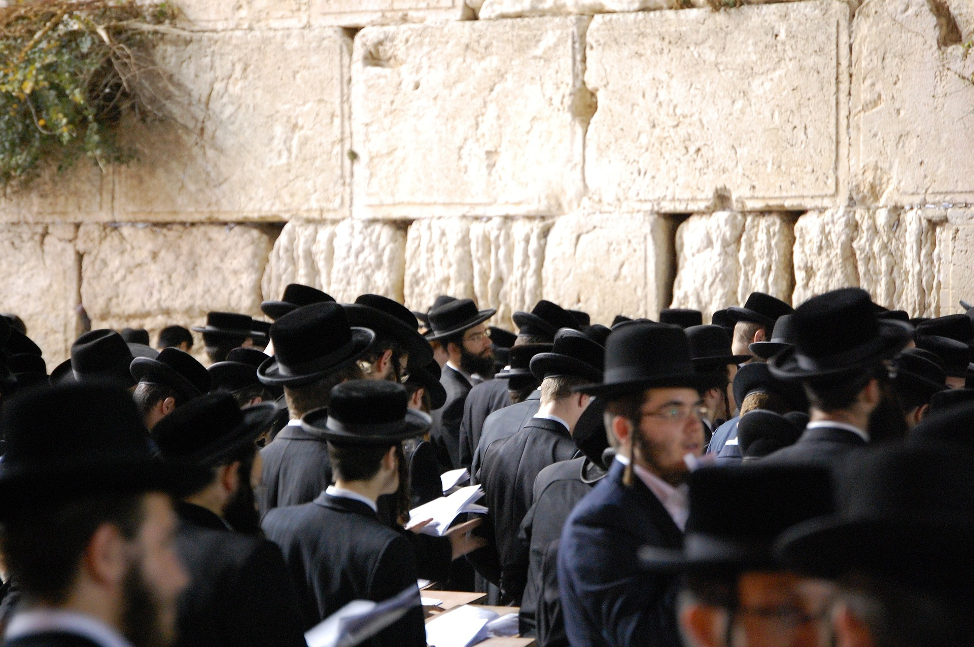 The Evolution of the Jewish People in their Homeland and the Diaspora